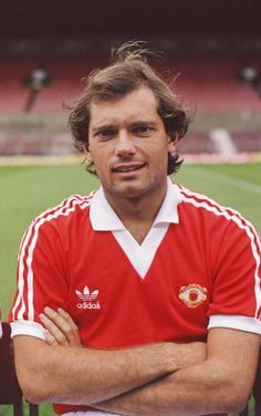Manchester United player Ray Wilkins pictured at the pre season photocall before the season at Old Trafford in Manchester England Manchester United Legends, Manchester United Players, Manchester England, Manchester Football, Football Icon, Football Fans, Football Shirts, Pure Football, Retro Football