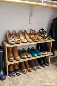 Woodworking Organization How To Build How to build an easy DIY shoe shelf organizer out of scrap wood.Woodworking Organization How To Build How to build an easy DIY shoe shelf organizer out of scrap wood Shoe Shelf Diy, Diy Shoe Storage, Diy Shoe Rack, Diy Shoe Organizer, 4 Shelf Shoe Rack, Kitchen Shelf Organizer, Shoe Racks, Closet Shelves, Clothing Storage