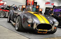 Factory Five Cobra @ SEMA Show 2013 I was so close to buying one of these Factory 5 Racing kit cars. Love these colors Ac Cobra 427, Ford Shelby Cobra, Shelby Car, Peugeot, Cobra Replica, Factory Five, Sweet Cars, Us Cars, Ford Gt