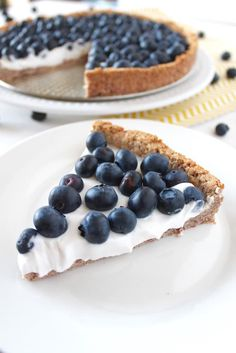 GF Paleo Blueberry Tart | with dates and coconut cream