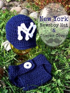A friend of mine requested this newborn set. I used my own free newsboy crochet hat pattern and reviewed an amazing diaper cover pattern. You can get all the info >HERE<. Along with the free patterns for the N and Y.