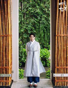 Korean traditional clothes.(한복) #dress #hanbok #modern #vietnam #trip #남자한복 #신랑한복 #남자한복대여 #신랑한복대여 #남성한복 #쾌자 #전통한복 #고급한복 #korean #wedding #design #한복 #한복대여 #한복맞춤