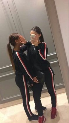 I feel plate against the wall violently, my back he suffered he has … # Random # amreading # books # wattpad Best Friend Pictures, Bff Pictures, Friend Photos, Best Friend Fotos, Best Friend Outfits, Best Friends Forever, Shooting Photo Amis, Bff Girls, Photo Tips
