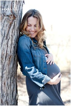 Jessica In Home Maternity Session | Denver Maternity Photographer | Ali Brannan Photography Blog