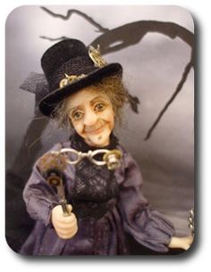 CDHM The Miniature Way iMag Spooky and Haunted in dollhouse miniature scale, 1/12