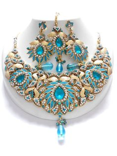 Wholesale fashion Exclusive jewellery Sets available at the best wholesale price Wedding Jewellery Designs, Bridal Jewellery Inspiration, Cute Jewelry, Jewelry Art, Jewelry Design, Jewlery, Indian Jewelry Sets, Bridal Jewelry Sets, Fashion Earrings