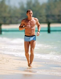 Bombe. Daniel Craig dans Casino Royale deMartin Campbell (2006)