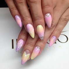 Pastel stiletto nails☺