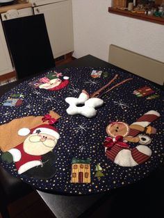 Diy And Crafts, Christmas Crafts, Merry Christmas, Christmas Themes, Christmas Decorations, Holiday Decor, Balsam Hill Christmas Tree, Santa Claus Is Coming To Town, Penny Rugs