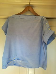 Loni Kreativwerkstatt / From men's shirt to women's blouse. - Loni Kreativwerkstatt / From men's shirt to women's blouse. … Loni Kreativwerkstatt / From men's shirt to women's blouse. Refashion Dress, Diy Clothes Refashion, Refashioned Clothes, Upcycle Shirts, Shirt Makeover, Ropa Upcycling, Diy Fashion Projects, Diy Projects, Diy Vetement