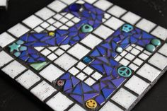 It's the so here's a number 25 mosaic house number plaque that I made many moons ago. House Number Plaque, House Numbers, Sarah Harper, Bizarre Art, Cube, Mosaic, Artist, Painting, Twitter