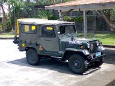 Got this Mitsubishi Type 73 Japanese Military Jeep from a dealer in Anabu Imus Cavite.   All original from rag top, to original Mitsubishi 4DR6 turbo