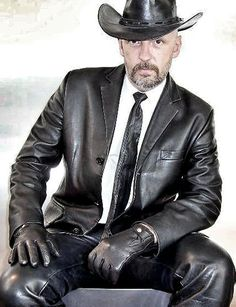 Sexy Men In Leather are LeatherPimp Mens Leather Blazer, Leather Men, Leather Pants, Black Leather, Mens Gloves, Leather Gloves, Leather Jackets, Mode Man, Men In Uniform