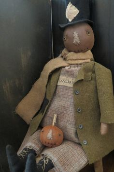 Mr. Pumpkin Man Primitive Fall Crafts, Primitive Scarecrows, Primitive Autumn, Primitive Pumpkin, Halloween Doll, Scary Halloween, Vintage Halloween, Fall Halloween, Halloween Crafts