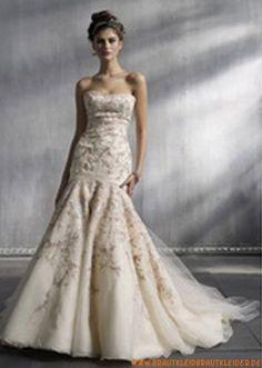 Designes Brautkleid aus Tüll A-Linie mit Appikation online kaufen