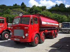 Leyland Octopus - Esso petrol tanker Vintage Trucks, Old Trucks, Fire Trucks, Rim And Tire Packages, Fuel Truck, Old Lorries, Car Camper, Old Commercials, Camping Car