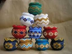 Beaded boxes, bowls and tea light covers Retro Products retro smoking products Beaded Boxes, Beaded Purses, Beaded Jewelry Patterns, Beading Patterns, Bead Bottle, Bead Storage, Peyote Stitch Patterns, Beaded Christmas Ornaments, Beading Projects