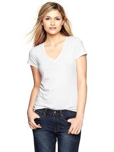 Essential short-sleeve V-neck tee Product Image
