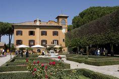 Scegli le migliori location dei Castelli Romani per matrimoni, cerimonie o eventi: chiedi informazioni alla Maan Banqueting & Catering.