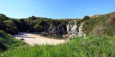 Do you know Gulpiyuri, world's smallest beach?  Read more here : http://www.llanes.be/gulpiyuri-worlds-smallest-beach/  #Beach #Llanes #NaturalMonument #Asturias #Gulpiyuri #ParaisoNatural
