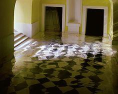 James Casebere, Yellow Hallway #2, 2001