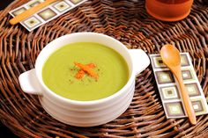 Gazpacho, Kiwi, Cheeseburger Chowder, Cantaloupe, Tapas, Tan Solo, Fruit, Ethnic Recipes, Soups