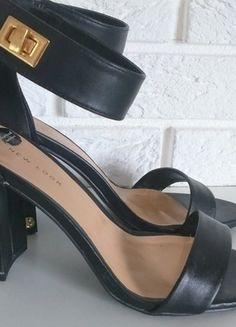 Kup mój przedmiot na #vintedpl http://www.vinted.pl/damskie-obuwie/na-wysokim-obcasie/13991566-czarne-sandaly-na-slupku