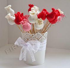 FIRINDA TASARIM: Fındıklı cake pop, top kek karışımı bir şey!:)
