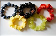 Fruity Salad Rings for an Olympic party. Olympic Idea, Olympic Games, Olympic Gymnastics, Kids Olympics, Summer Olympics, Office Olympics, Olympic Crafts, Party Treats, Holiday Treats