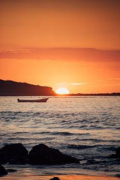 Sun passing over the horizon in Tamarindo Costa Rica. Sunset art pictures photograph Samba to the Sea. sunsets, beach sunset, sunset ocean, sunset photography, sunset pictures, sunset sky, sunset beautiful, sunset surfing, Cielo atardecer, sunset sea, sun