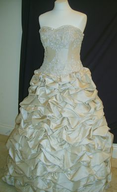 The Suffolk Wedding Dress Exchange is a Bridal Barn in Framlingham, Suffolk selling sample and once worn designer weddding dresses at discounted prices. Ruffled Dresses, Bridal Gowns, Wedding Dresses, Ruffles, Amanda, Gold, Design, Fashion, Bride Dresses
