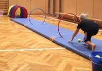 KiGaPortal - for pre-K, kindergarten and elementary school Gross Motor Activities, Gross Motor Skills, Activities For Kids, School Sports, Kids Sports, Preschool Gymnastics, Elementary Pe, Motor Planning, Pe Ideas