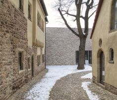 The Museum Luthers Sterbehaus (Luther's Death House), a UNESCO World Heritage Site, won a Gold Fritz Höger Award in 2014 for its reference to the historic environment.   The project used waterstruck bricks from our partner, Hebrok brick. see our huge range of bricks online: http://www.ehsmithclayproducts.co.uk/product/1/bricks
