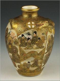 Signed Japanese Satsuma Meiji Period Vase w/ Lohans & Shimazu Mark Japanese Vase, Japanese Porcelain, Japanese Ceramics, Japanese Pottery, Porcelain Ceramics, Ceramic Art, Satsuma Vase, China Patterns, Pottery Art