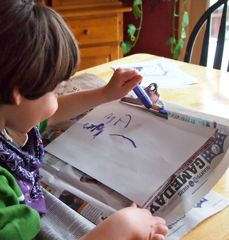 10 ways to help kids with disabilities write and draw, a great gift to be able to be creative and expressive!