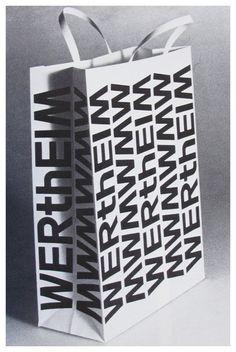 Paper bag / Zoom Photo