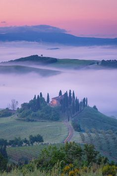 Il Belvedere, Val d' Orcia, Tuscany, Italy  (by Jim Nilsen )
