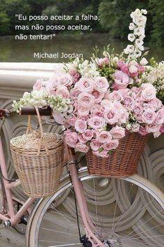35 super ideas for bike basket flowers romantic Beautiful Flower Arrangements, Floral Arrangements, Beautiful Flowers, Romantic Flowers, Pink Love, Pretty In Pink, Decoration Shabby, Tout Rose, Good Morning Flowers