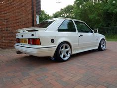 Ford Rs, Car Ford, 1990s Cars, Ford Motorsport, Ford Escort, Retro Cars, Jdm, Cool Cars, Dream Cars