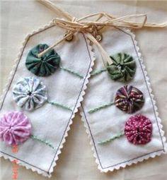 Handmade Fabric Applique Quilt Gift Tag Yo Yo Primitive Label Thank