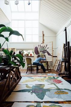 Artists' Houses Sarah Graham London - Studio - Take a look around the beautiful homes and inspiring studios of our favourite artists - interiors on HOUSE by House & Garden<br> Appartement Design Studio, Studio Apartment Design, Art Studio Design, Art Studio At Home, Home Art, Studio Spaces, Design Design, Paint Studio, Studio Studio