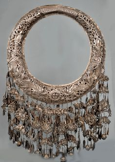 full Miao torc with open work and fine silver 19th c (private collection Linda Pastorino)