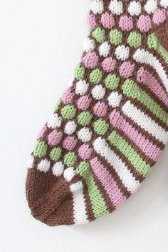 Ranskanpastilli-sukat Novita 7 Veljestä | Novita knits