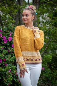 Easy Knitting Patterns for Beginners - How to Get Started Quickly? Fair Isle Knitting Patterns, Knitting Machine Patterns, Knitting Designs, Knit Patterns, Knitting Websites, Norwegian Knitting, Hand Knitted Sweaters, Knit Fashion, Mode Inspiration