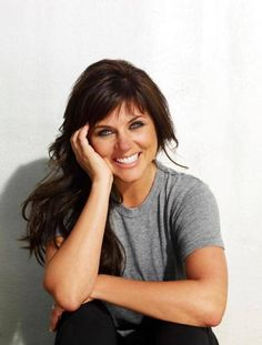 Tiffani Thiessen – Saved By The Bell & Beverly Hill's 90210  I love her on White Collar!
