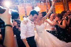 Özlem Turan Düğün Fotoğrafları- Hikaye Fotoğrafçılığı http://istanbella.com/ev-bahce/dugun-hazirliklari/yeni-trend-temali-ve-konsept-dugunler/