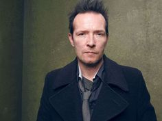 Reports: Former Stone Temple Pilots frontman Scott Weiland dies at 48 via @USATODAY