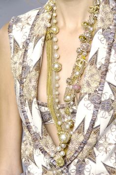 Chanel at Paris Fashion Week Spring 2006 - Details Runway Photos