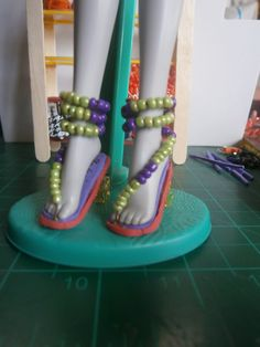 materials: foam,beads,wire,paper