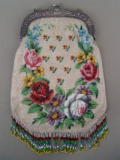 Beadwork on cotton foundation. Polychrome design on white ground: flower basket with neo-classic border (obv. Vintage Purses, Vintage Bags, Vintage Handbags, Beaded Purses, Beaded Bags, Art Bag, Shabby, Beaded Embroidery, Purses And Handbags